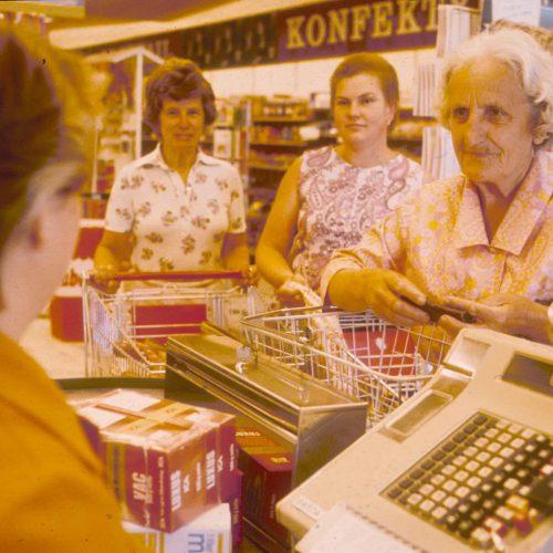 Butiker stora som sm arkiv ica historien for Mobilia ica